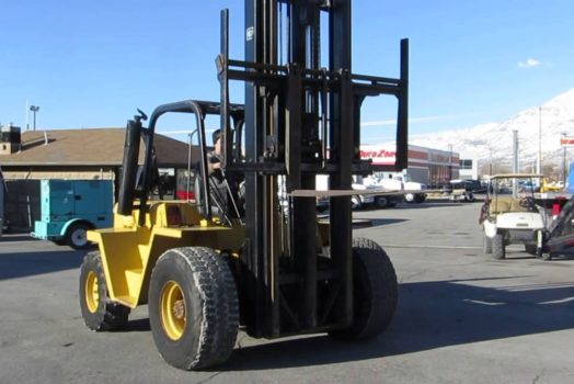 Top Characteristics To Take Into Account When Choosing Forklifts