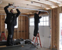 Hire The Best Garage Door Repair Services Available Online