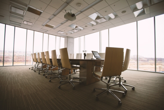 What To Look For In An Office Furniture Store?