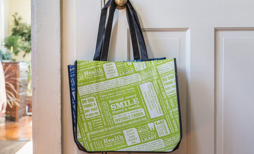 Laminated Reusable Bags Are Best Item For Brand Promotion In Trade Shows